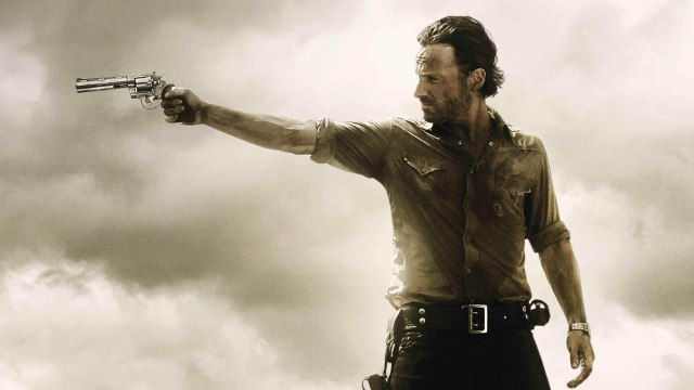 The-Walking-Dead-Rick-Aiming-Wallpaper-Wide